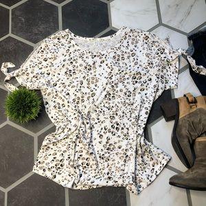 Seven7 leopard cold shoulder T-shirt XL tie cuffs